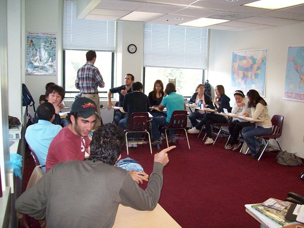 Du học Mỹ không cần TOEFL tại FLS International