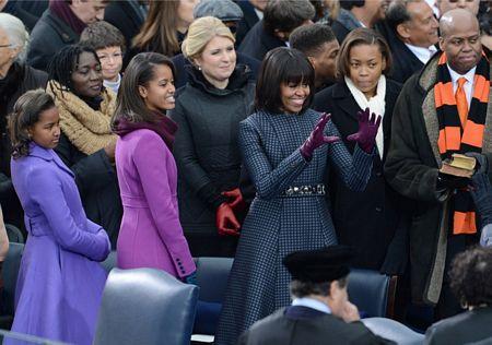 Bà Michelle cùng 2 con gái trong lễ nhậm chức của ông Obama.