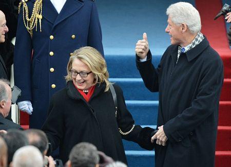 Cựu Tổng thống Bill Clinton và phu nhân Hillary tới chứng kiến lễ nhậm chức của ông Obama.