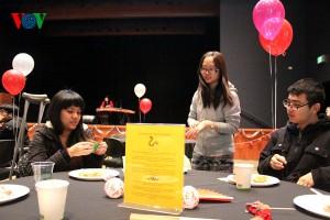 Du học sinh tại Mỹ vui đón Tết châu Á