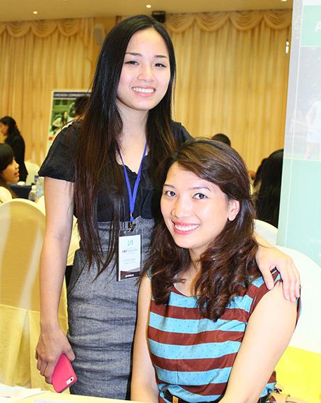 Hai nữ sinh trường ĐH La Salle
