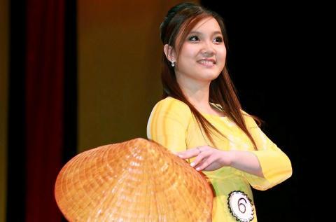 Á khôi Nguyễn Công Hoàng Anh người Việt tại Mỹ