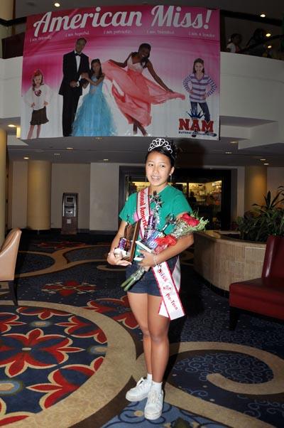 Amanda Nga Phan và Miss Spirit-New Jersey