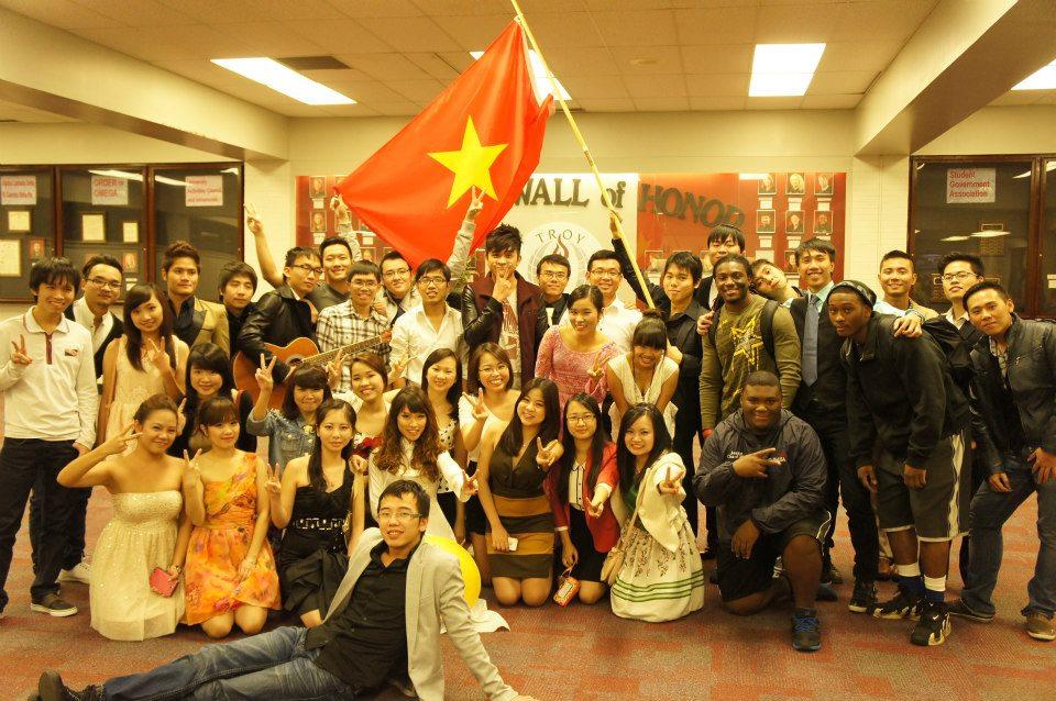 Du học sinh Việt Nam tại Mỹ làm part - time