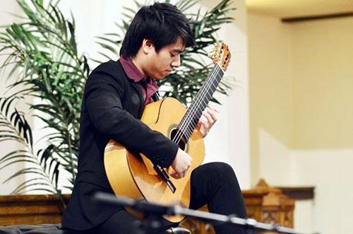 Chàng trai Việt được vinh danh tại Mỹ. Tuấn An dự định dành số tiền thưởng trị giá 1.000 USD để mua vé máy bay về thăm gia đình và biểu diễn quyên góp từ thiện tại Việt Nam.