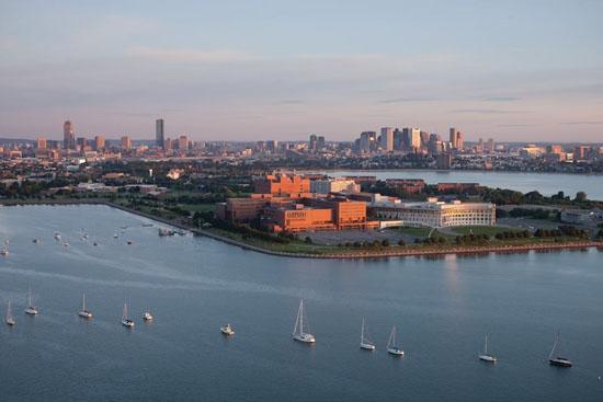 Toàn cảnh trường Đại học UMass – Boston