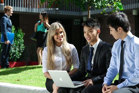 Du học sinh Mỹ cần lưu ý gì khi lựa chọn môn học?