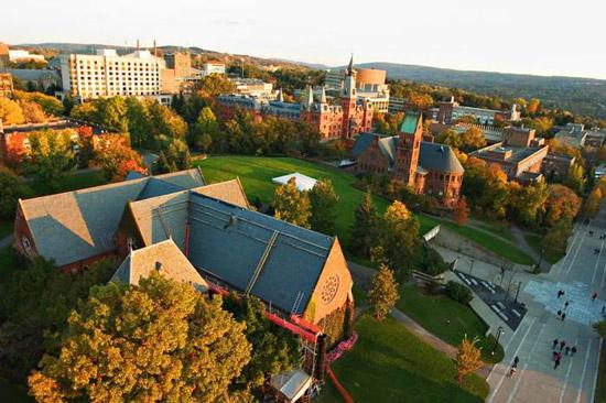 Đại học Cornell nằm ở Ithaca, bang New York