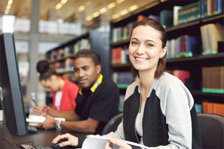 Tìm kiếm học bổng, làm thêm