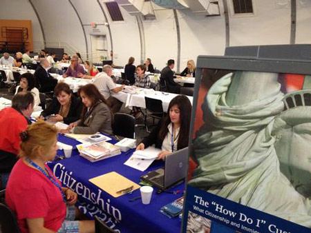 Cân nhắc việc xin quốc tịch Hoa Kỳ khi đã đủ điều kiện